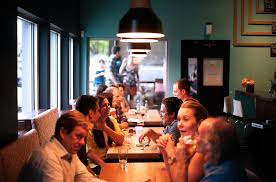 PeopleAtRestaurant
